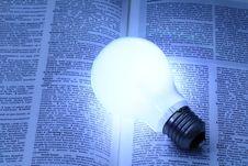 Free Illuminated Light Bulb Royalty Free Stock Images - 32422039