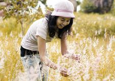 Free Young Brunette Woman On The Meadow Royalty Free Stock Photos - 32430778