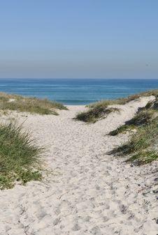 Free Sand Dune Royalty Free Stock Image - 32464536