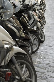Free Scooters Aligned In Florence Stock Image - 32474881