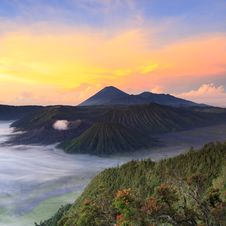 Free Bromo Mountain In Tengger Semeru National Park At Sunrise Royalty Free Stock Photography - 32477017