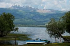 Free Markakol Mountain Lake In East Kazakhstan Stock Image - 32491341