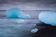 Free Seashore Near Jokulsarlon Royalty Free Stock Photos - 32494148