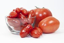 Free Three Types Of Tomatoes And A Glass Bowl Royalty Free Stock Photography - 32496237