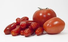 Free Three Types And Sizes Of Tomatoes Royalty Free Stock Photos - 32496238