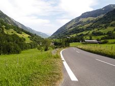 Free Empty Route In Alps Stock Photography - 3250572
