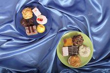 Free Sweet Deserts Royalty Free Stock Photos - 3253748
