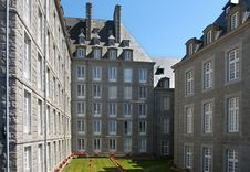 Free French Classic Buildings Royalty Free Stock Photos - 3255588