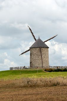 Free Ancient Windmill Royalty Free Stock Photography - 3256337