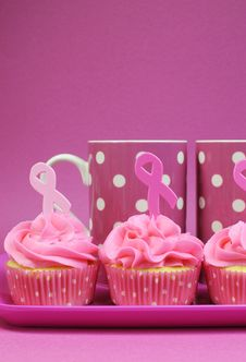 Free Pink Ribbon Cupcakes With Pink Polka Dot Coffee Mugs - Vertical Stock Photography - 32558692