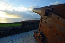 Free Old Fort S Cannon Stock Images - 32566634
