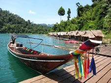 Free Thai Boat Royalty Free Stock Image - 32571996