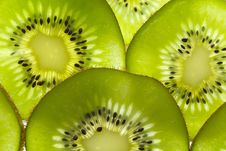 Free Kiwi Fruit Slices Close-up Stock Photos - 32587993