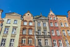Free Facades Of Ancient Tenements Royalty Free Stock Photos - 32605068