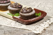 Diet Chocolate Cupcakes On Yeliow Rectangular Plate Royalty Free Stock Photography