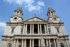 Free St Paul S Cathedral Western Side & Entrance View, London Royalty Free Stock Photos - 32631438