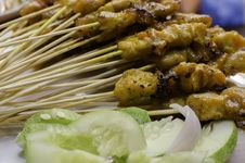 Free Chicken Satay Royalty Free Stock Images - 32680389
