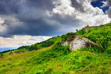 Free Boulders Under A Large Cloud Royalty Free Stock Photography - 32688257
