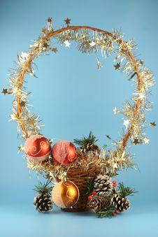 Free Basket With Christmas Balls Royalty Free Stock Photos - 3271698