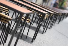 Free Table And Chairs Royalty Free Stock Photos - 3273718