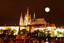 Free The Night View Of Prague Royalty Free Stock Image - 3275576