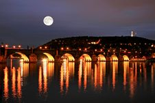 Free The Night View Of Prague Stock Photography - 3275632