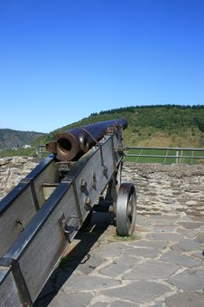 Free Cannon Stock Image - 3276661
