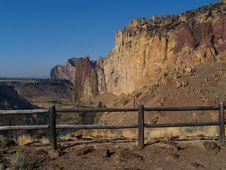 Free Views At Smith Rock Stock Image - 3276811