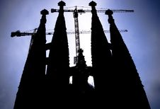 Free Towers Of Iron And Stone Royalty Free Stock Photos - 3279908