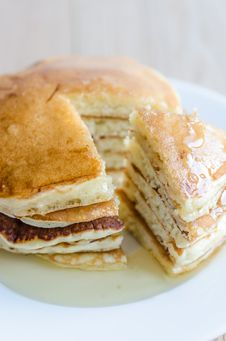 Free Pancakes Royalty Free Stock Photo - 32700365