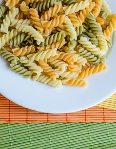Free Fusilli Pasta Royalty Free Stock Images - 32701099