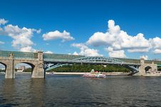 Free Pedestrian Andreevsky Bridge In Moscow Royalty Free Stock Photo - 32720905