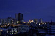 Free Bangkok City Center At Twilight Royalty Free Stock Photography - 32730997