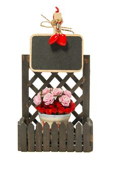 Free Small Black Board On The Fence With Roses And Heart Shapes Stock Images - 32742014
