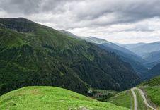Free Mountain Road On The Transfagarasan Royalty Free Stock Images - 32744019