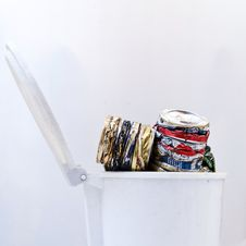 Free Can Recycling Royalty Free Stock Images - 32750559
