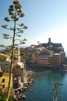 Vernazza Harbor In A Sunny Day, Cinque Terre, Liguria, Italy Royalty Free Stock Image