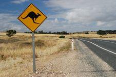 Free Australian Kangaroo Roadsign Stock Image - 32791711