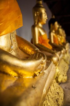 Free Hand Of Buddha Statues Stock Photography - 32794762