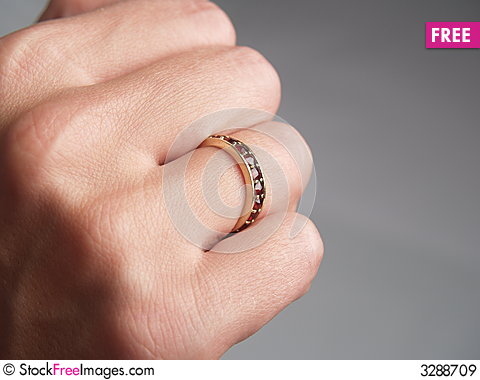 Free Rubin Ring Royalty Free Stock Images - 3288709