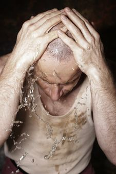 Free Worker Is Having A Wash Royalty Free Stock Photography - 3280477
