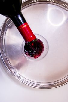 Free Pouring Red Wine Stock Image - 3280491