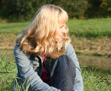 Free Young Woman On Grass Royalty Free Stock Photography - 3280637
