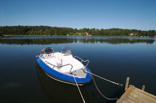 Free Sweden Boat Dock 6 Royalty Free Stock Images - 3281469