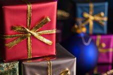 Free Red Present With Gold Ribbon Stock Photos - 3285423