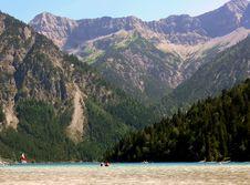 Free Mountain Lake Royalty Free Stock Photography - 3289317