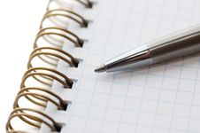 Free Pen On Notepad Stock Photography - 3289582