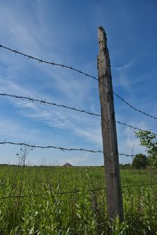 Free Barbed Wire Fence Stock Image - 32803511