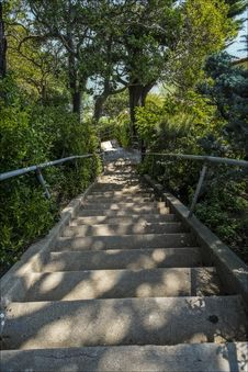 Free Steep Stairs From The Top Royalty Free Stock Photos - 32824238