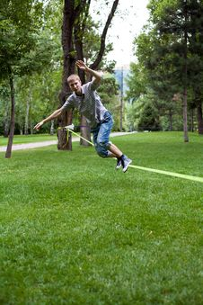 Free Man In The Slackline Royalty Free Stock Photography - 32835237